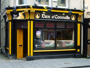 irish_pub_ennis_pub_irish_music_pub_daniel_oconnell_ireland_irish_landmark-929448